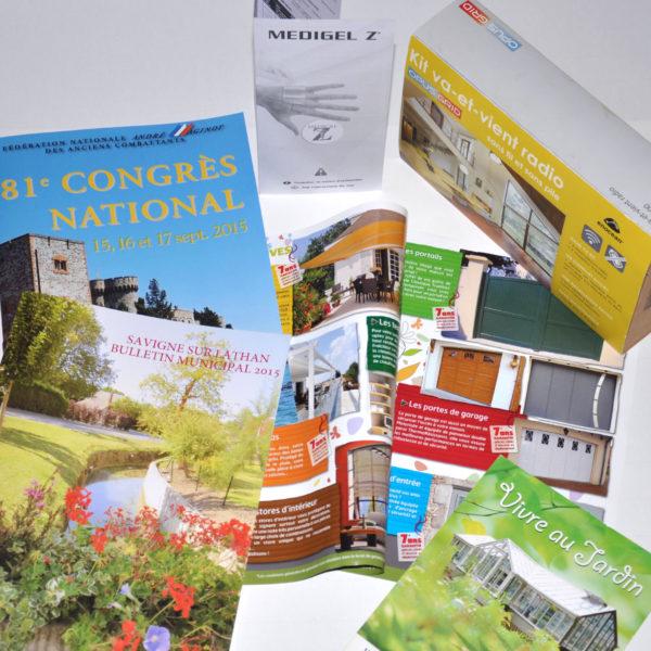Impression sur tous types de papier pour vos brochures et bulletins.